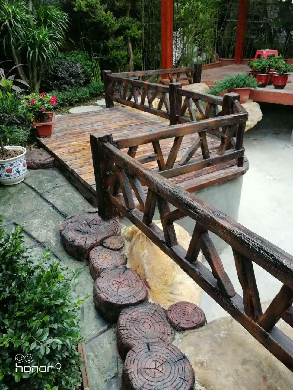 水泥仿木围栏